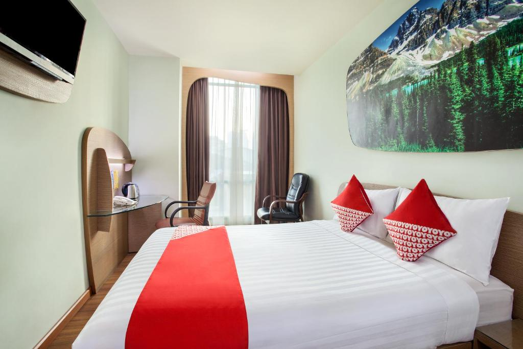 Capital O Business Hotel Jakarta Indonesia Booking Com