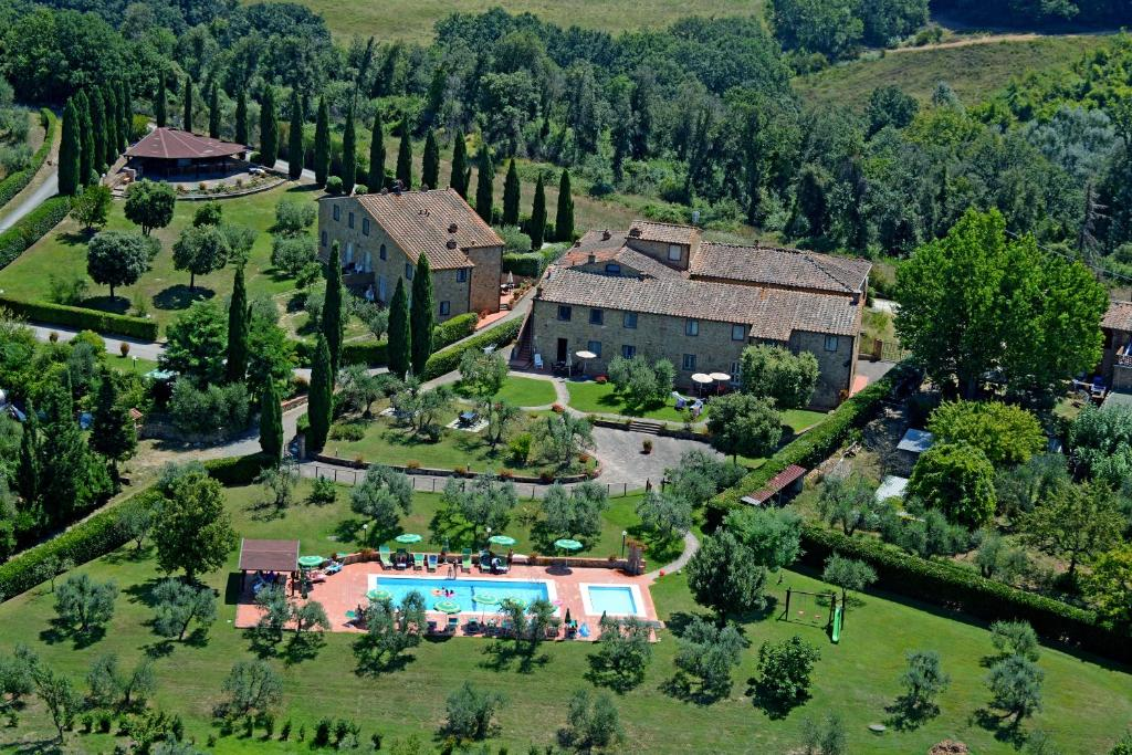 A bird's-eye view of Borgo Di Collelungo