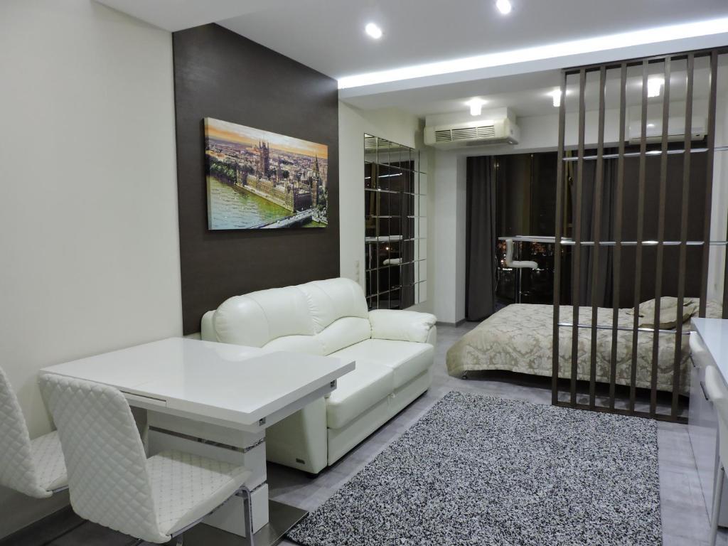 Гостиная зона в Апартаменты Версаль на Несебрской 14