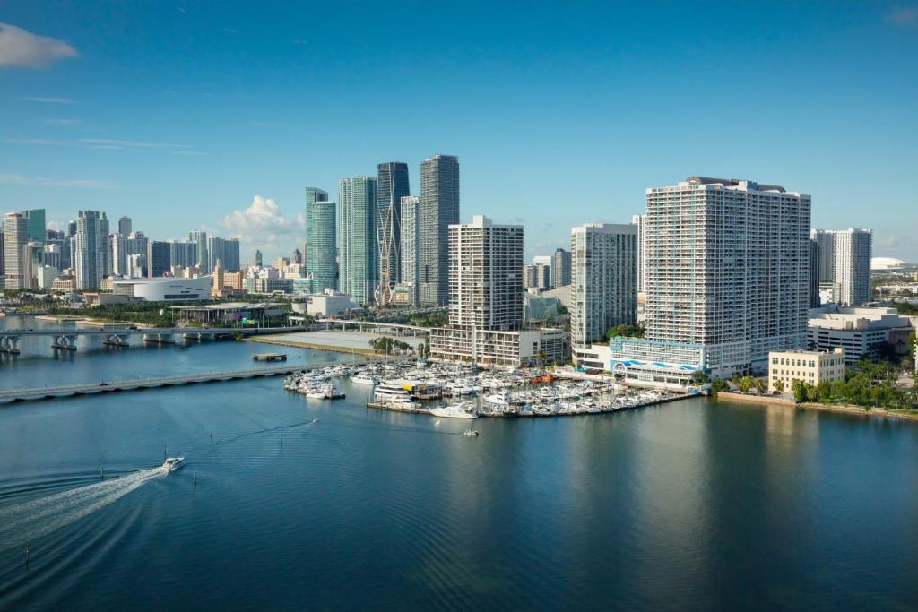 Doubletree By Hilton Grand Hotel Biscayne Bay Miami Aktualisierte Preise Fur 2021