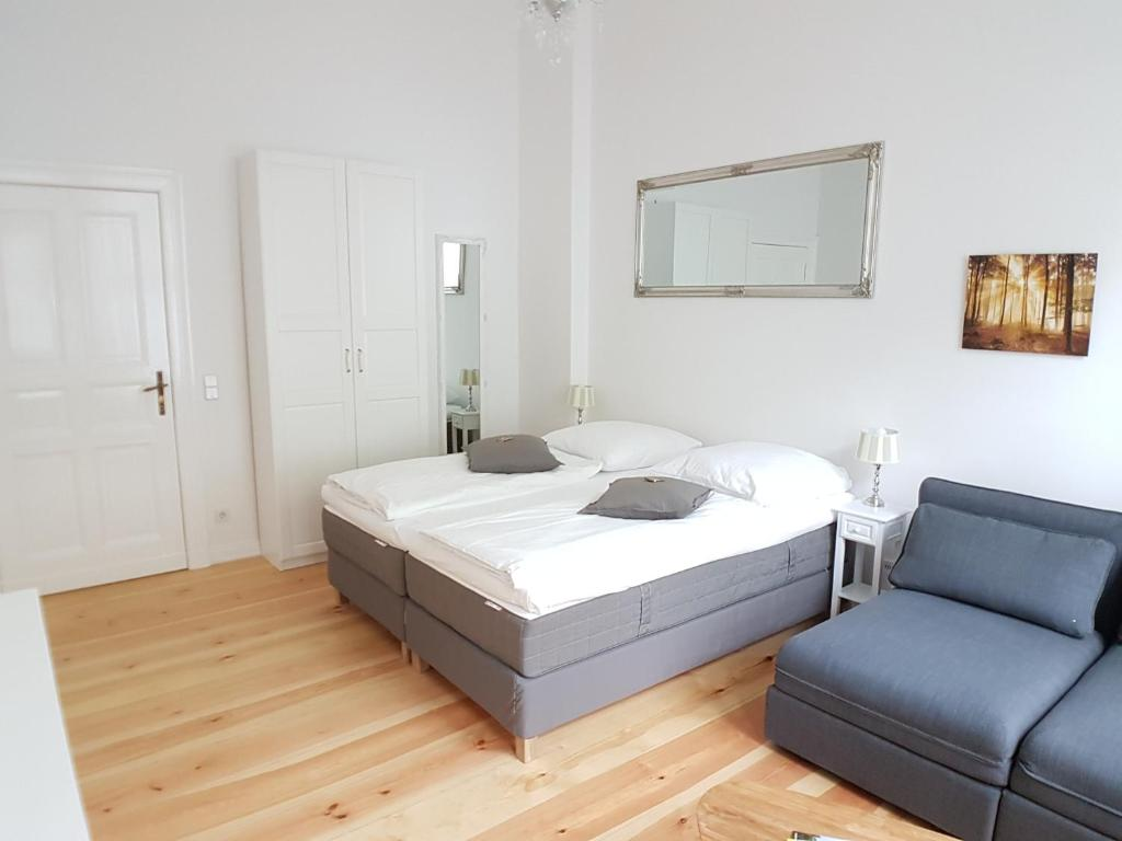 Picture of: Apartment Langen Cozy Family Business Flair Welcomes You Rockchair Apartments Berlin Updated 2020 Prices