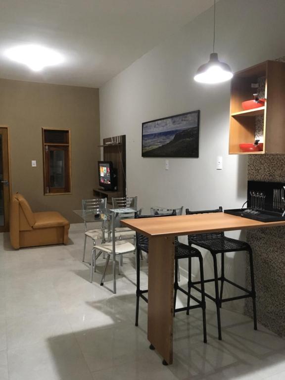 Casa no Crato com Garagem, TV, Internet WiFi 20 MB, TV