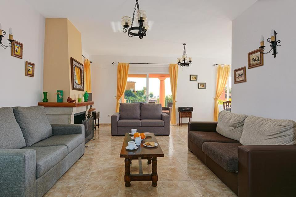 Casas de Torrat Villa Sleeps 10 Pool Air Con WiFi 5