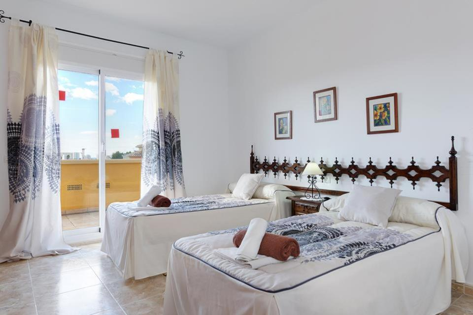 Casas de Torrat Villa Sleeps 10 Pool Air Con WiFi 7