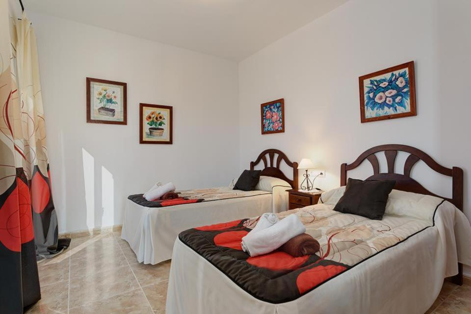 Casas de Torrat Villa Sleeps 10 Pool Air Con WiFi 12