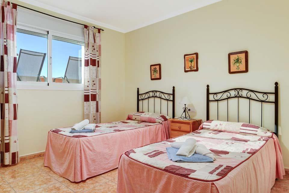 Casas de Torrat Villa Sleeps 24 Pool Air Con WiFi 14