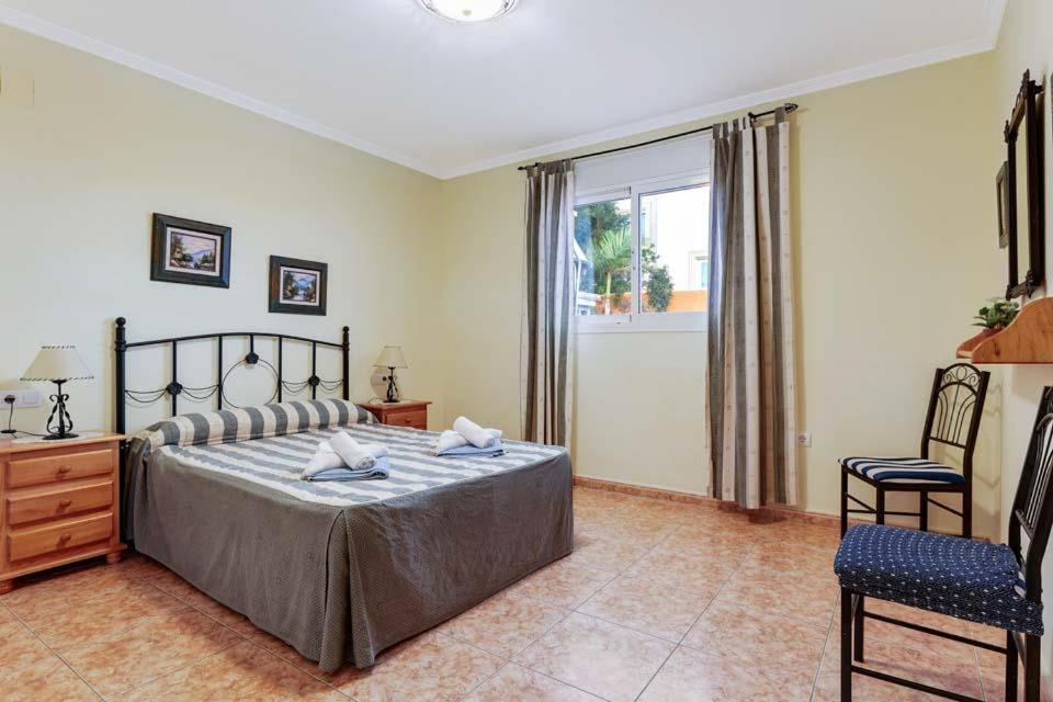 Casas de Torrat Villa Sleeps 24 Pool Air Con WiFi 15