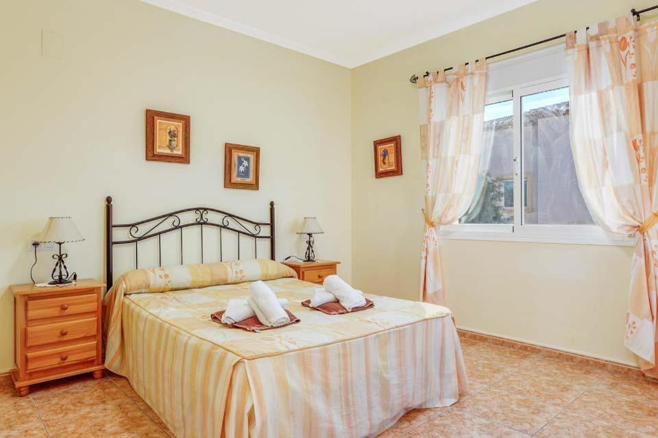 Casas de Torrat Villa Sleeps 24 Pool Air Con WiFi 17