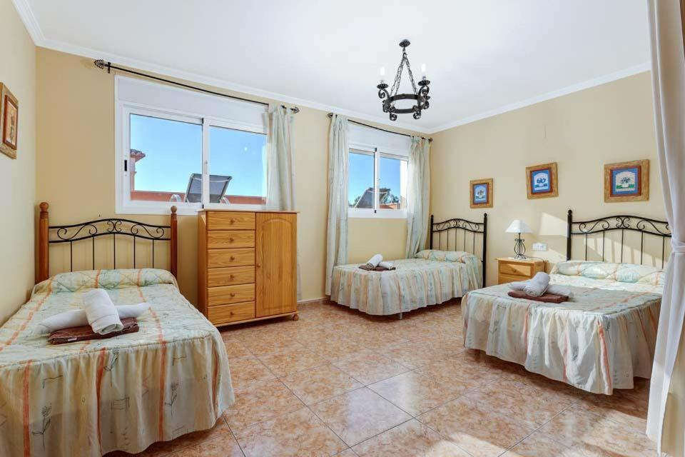 Casas de Torrat Villa Sleeps 24 Pool Air Con WiFi 18
