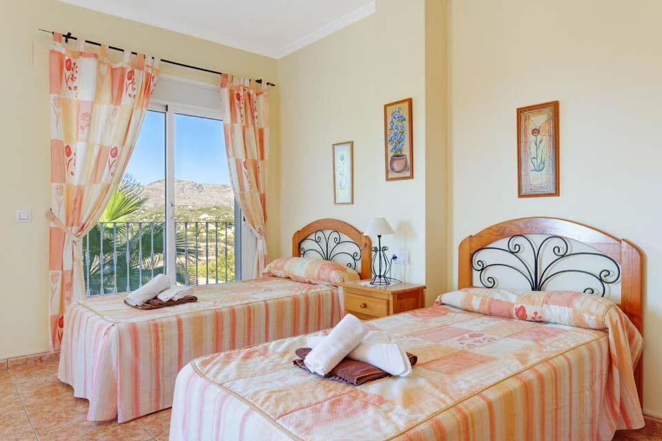 Casas de Torrat Villa Sleeps 24 Pool Air Con WiFi 20