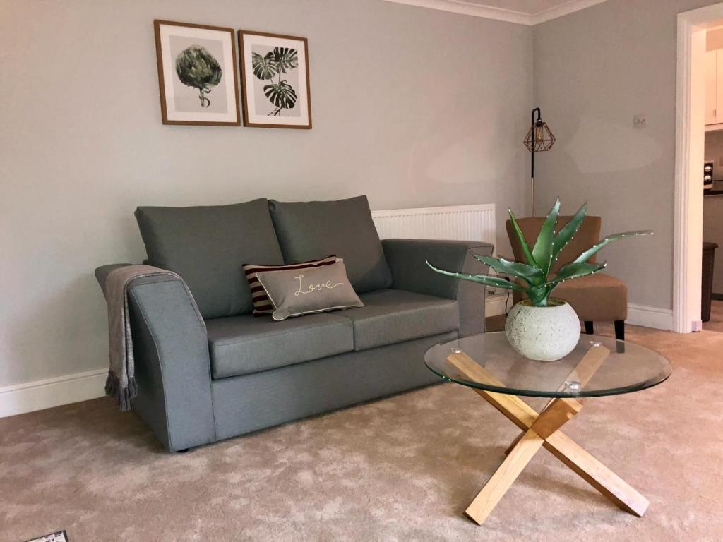 A seating area at Garden Flat