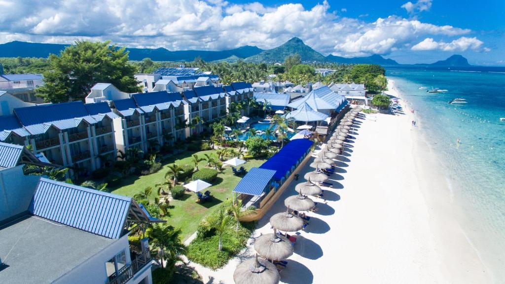 Een luchtfoto van Pearle Beach Resort & Spa