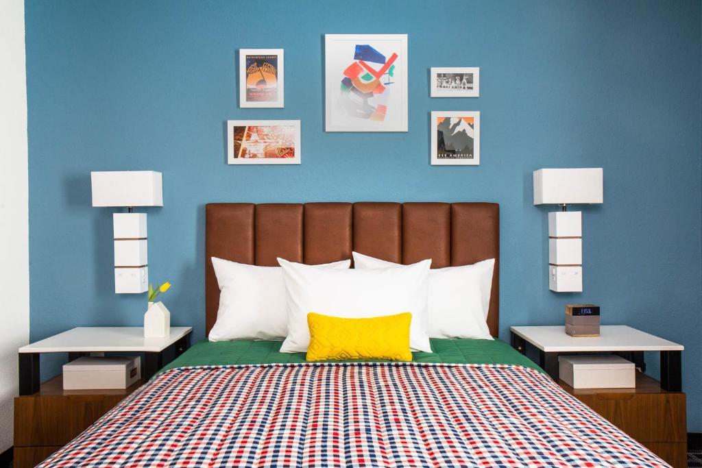 Uptown Suites Extended Stay Denver CO -Westminster