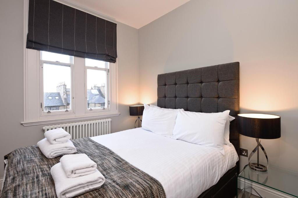 Destiny Scotland - Hill St Apartments - Laterooms
