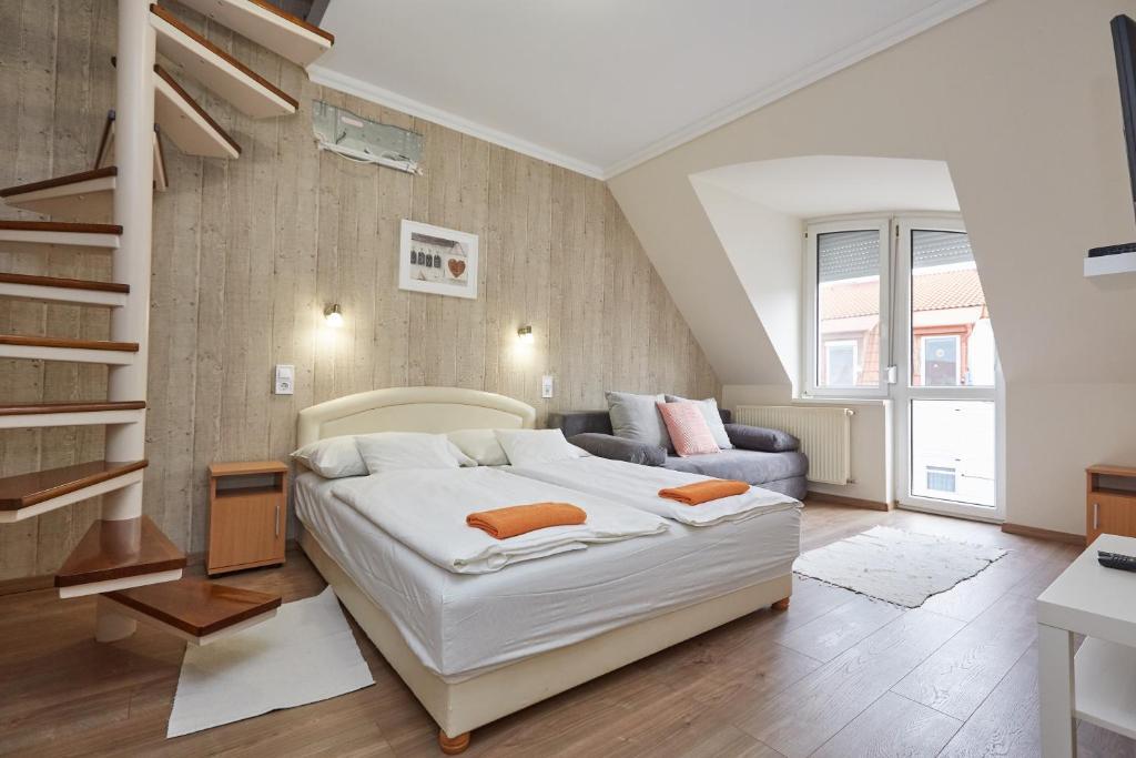 Zoli Apartmanok -Nóri Kölcsey 32 (Ungaria Hajdúszoboszló) - Booking.com