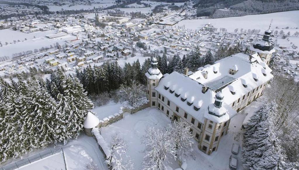 JUFA Hotel Schloss Röthelstein im Winter