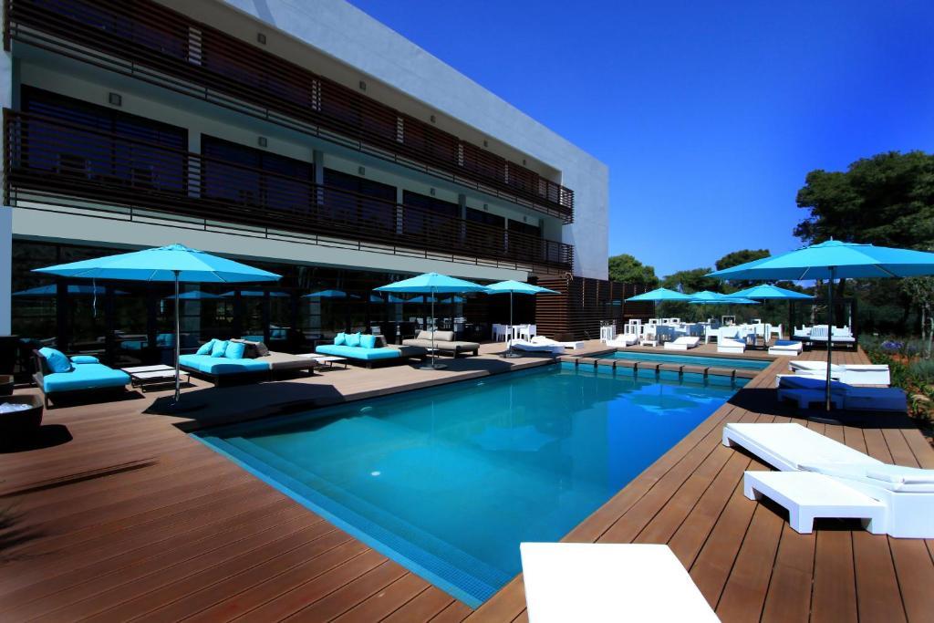 The swimming pool at or near Hôtel Souani ( Al Hoceima Bay)