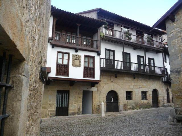 Parador de Santillana - Laterooms