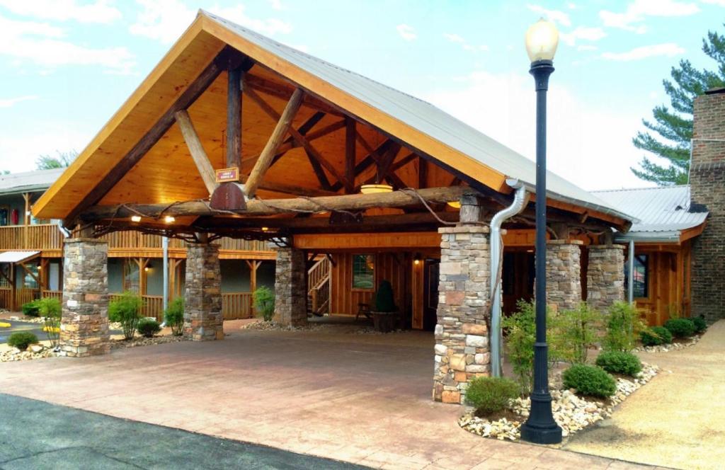 The Smoke House Lodge