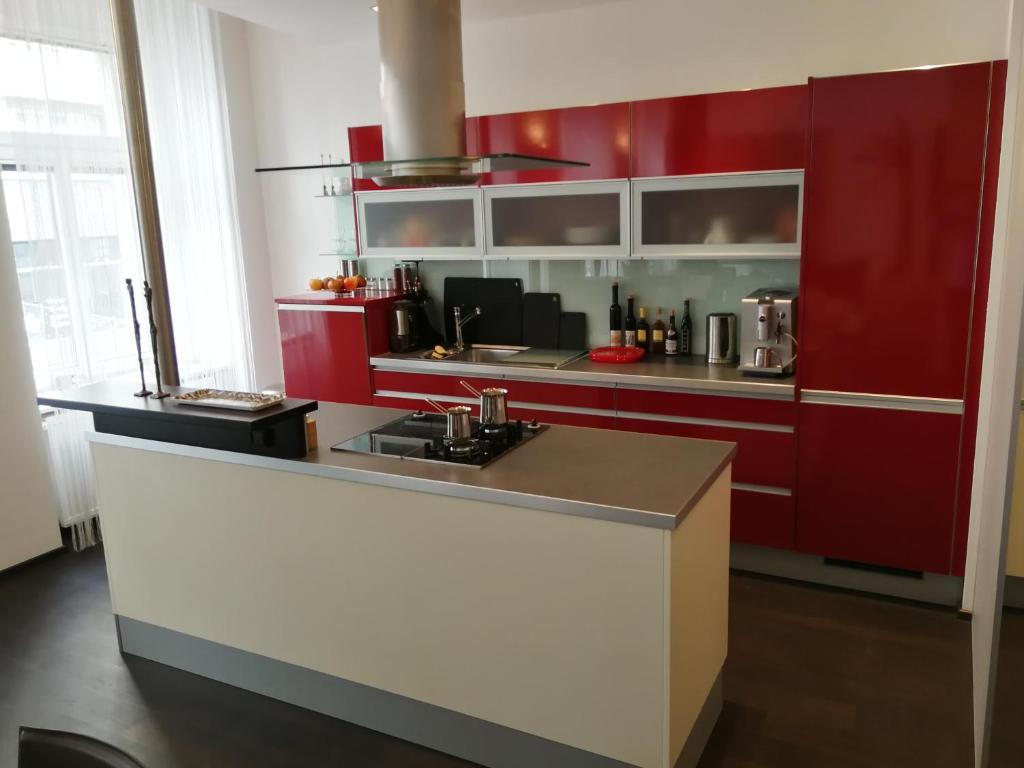 Grand Vienna City Center Apartment, Austria - Booking.com