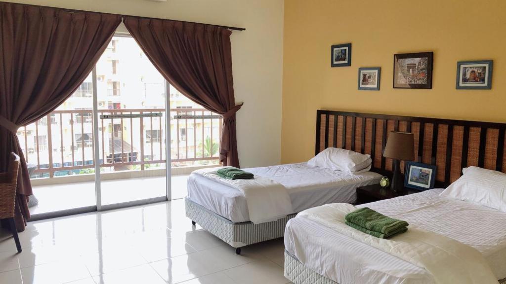 Comfy Studio1 Gold Coast Morib Tanjung Sepat Kampong Tanjong Pechah 6 Guest Reviews Booking Com