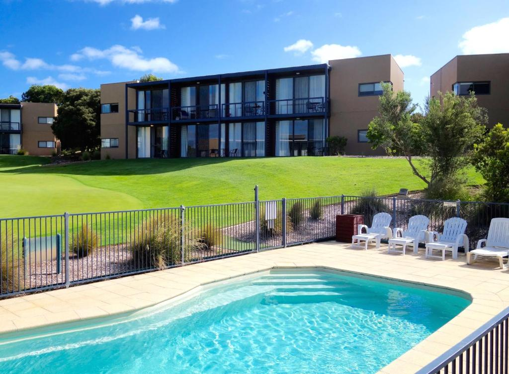 The swimming pool at or near Troon 36 Moonah Links