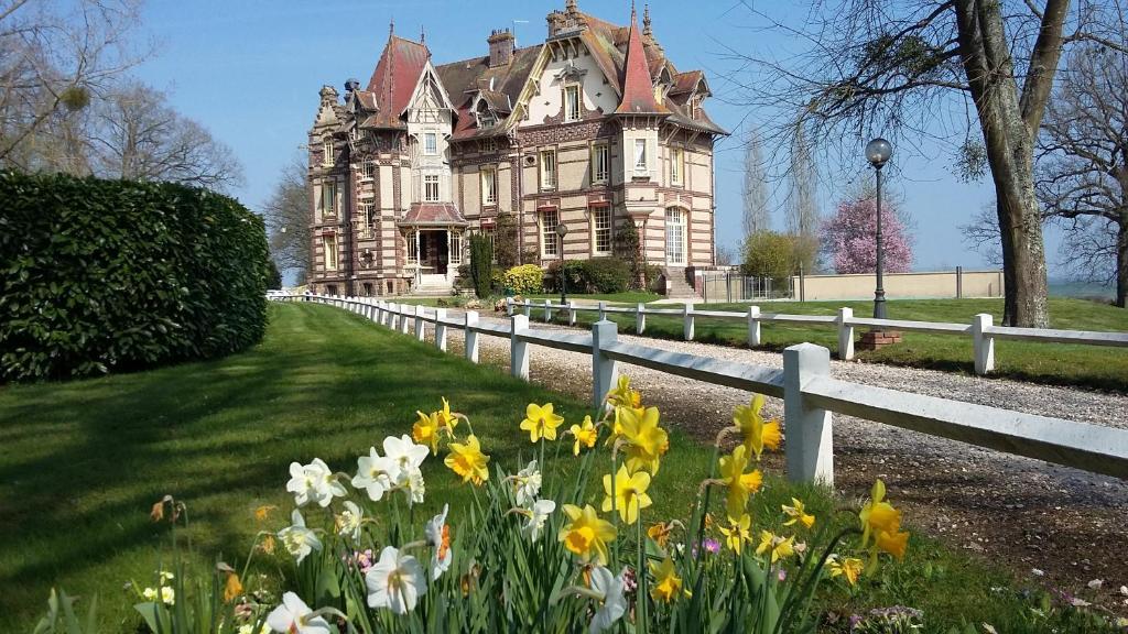 Chateau de la Rapee Bazincourt-sur-Epte, France