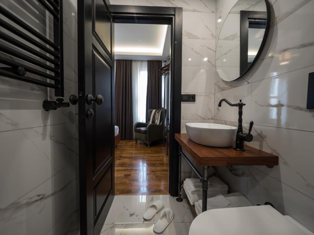A bathroom at GalataCo Hotel