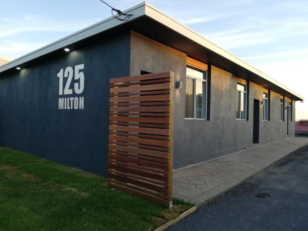 125 Milton