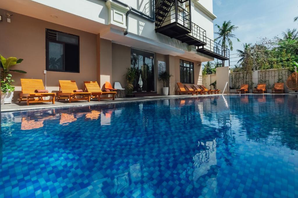 Бассейн в Nesta Phu Quoc Hotel или поблизости