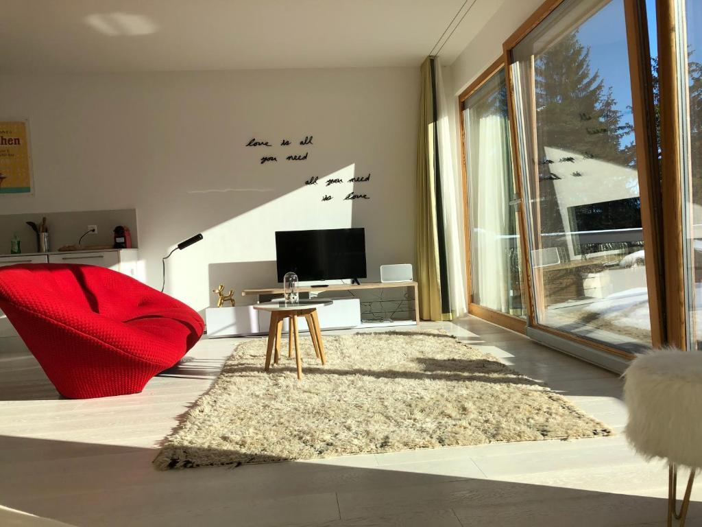 New design apartment (Schweiz Laax) - Booking.com