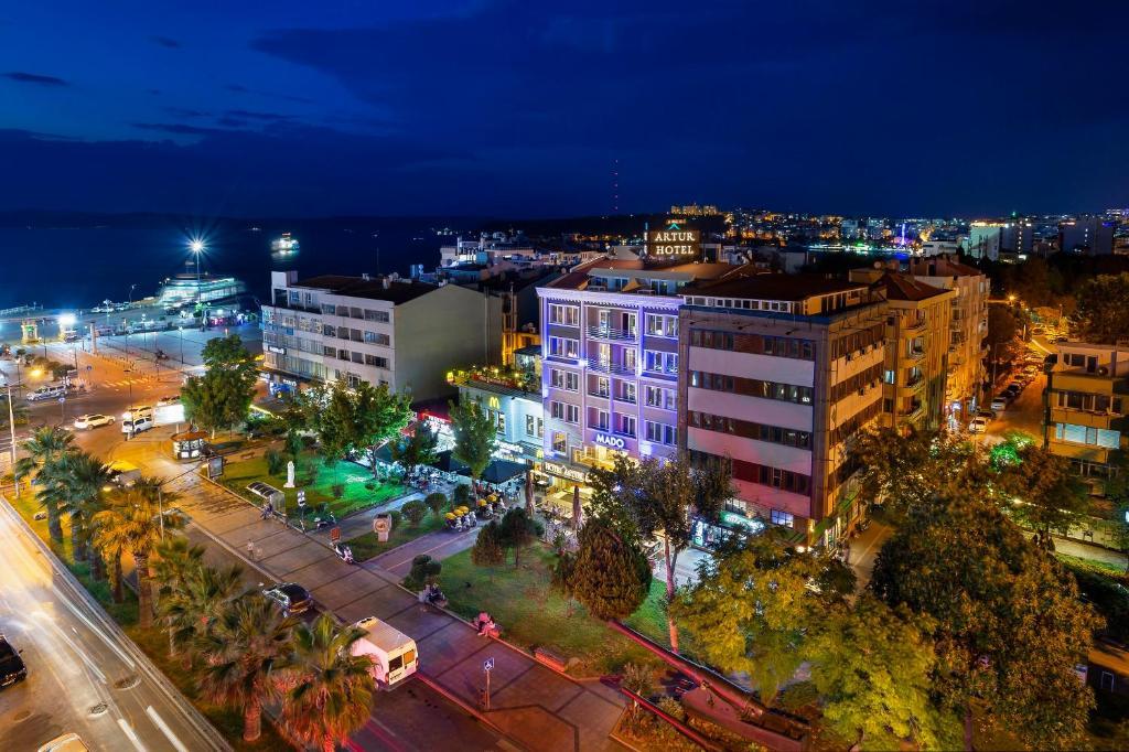 A bird's-eye view of Artur Hotel