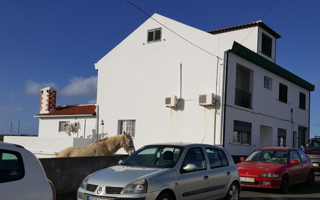 O edifício onde o quarto em acomodação particular está situado
