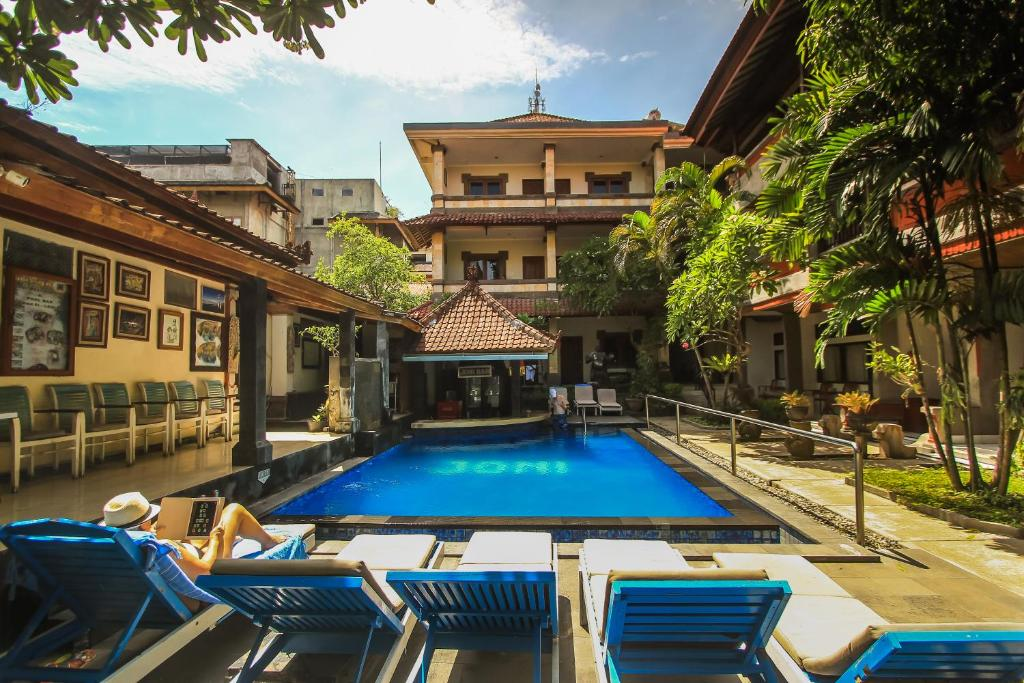 The swimming pool at or close to Legian Village Beach Resort
