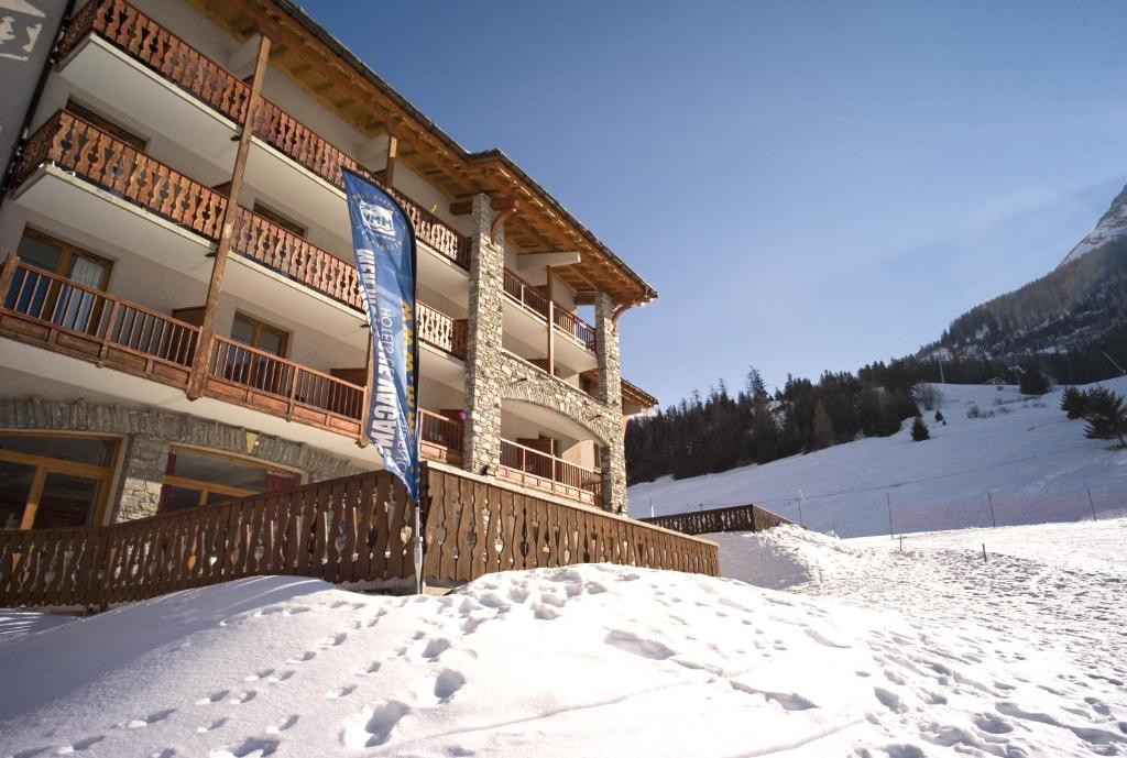 Hôtel Club mmv Le Val Cenis *** during the winter