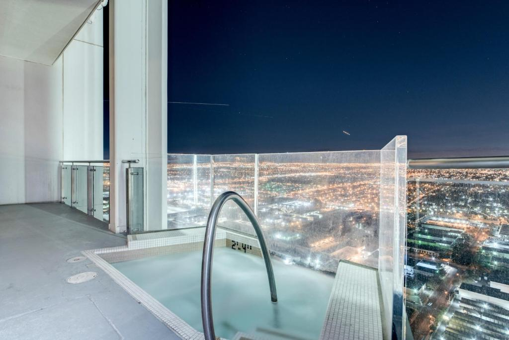 Stripviewsuites Penthouse With Hot Tub On Balcony Las Vegas Updated 2021 Prices