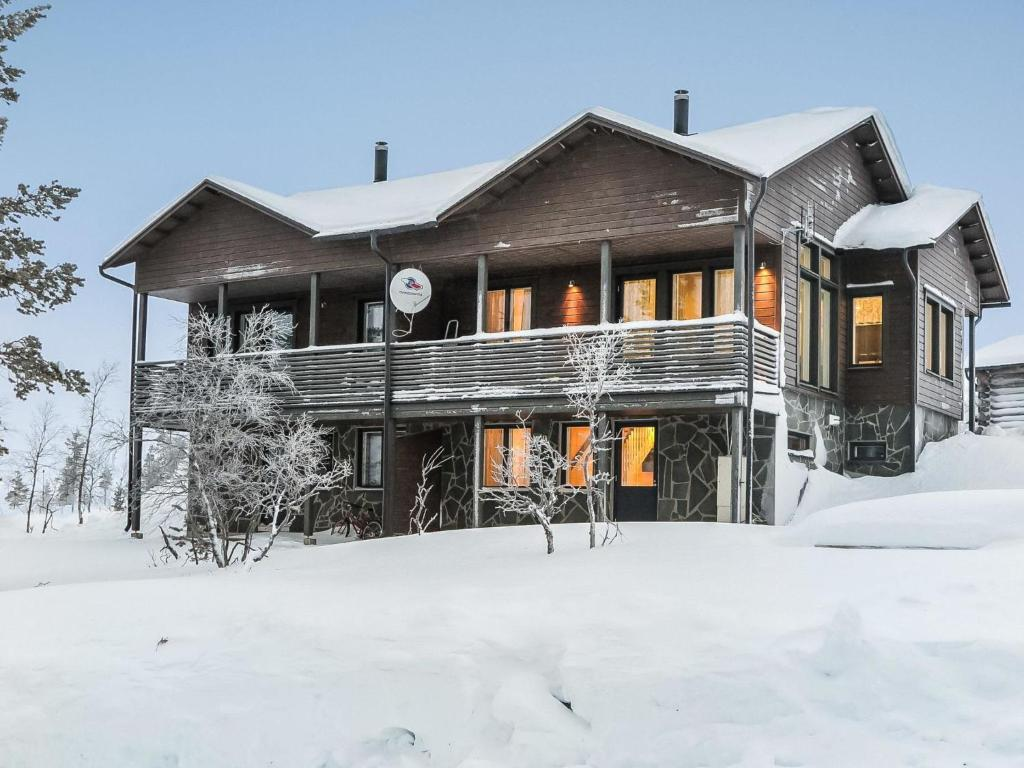 Holiday Home Karhu a during the winter