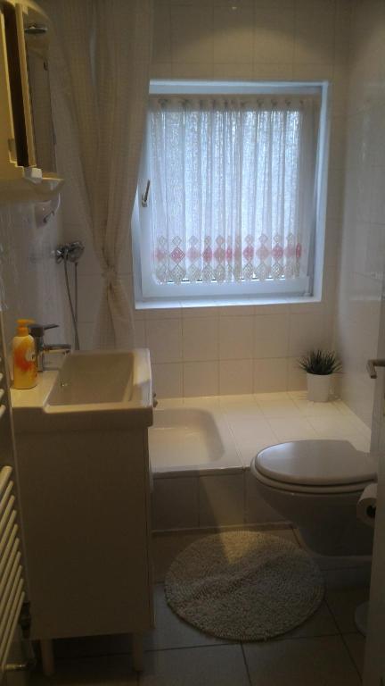 Ein Badezimmer in der Unterkunft Hotel Pension Südring