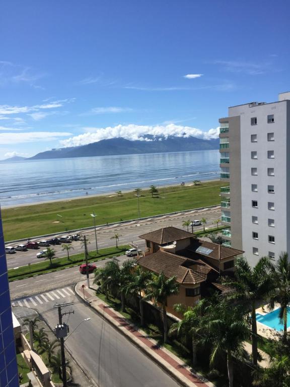 Apartamento 82B IMPERIAL - Muito Novo e de Frente a Praia!