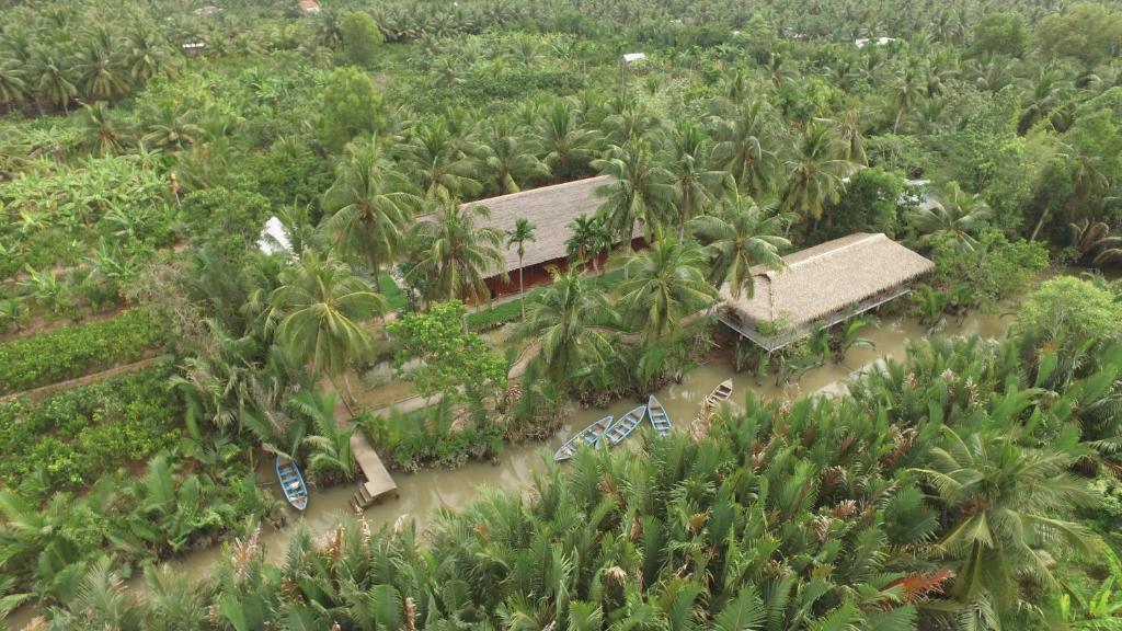 Vue panoramique sur l'établissement Ba Danh Home