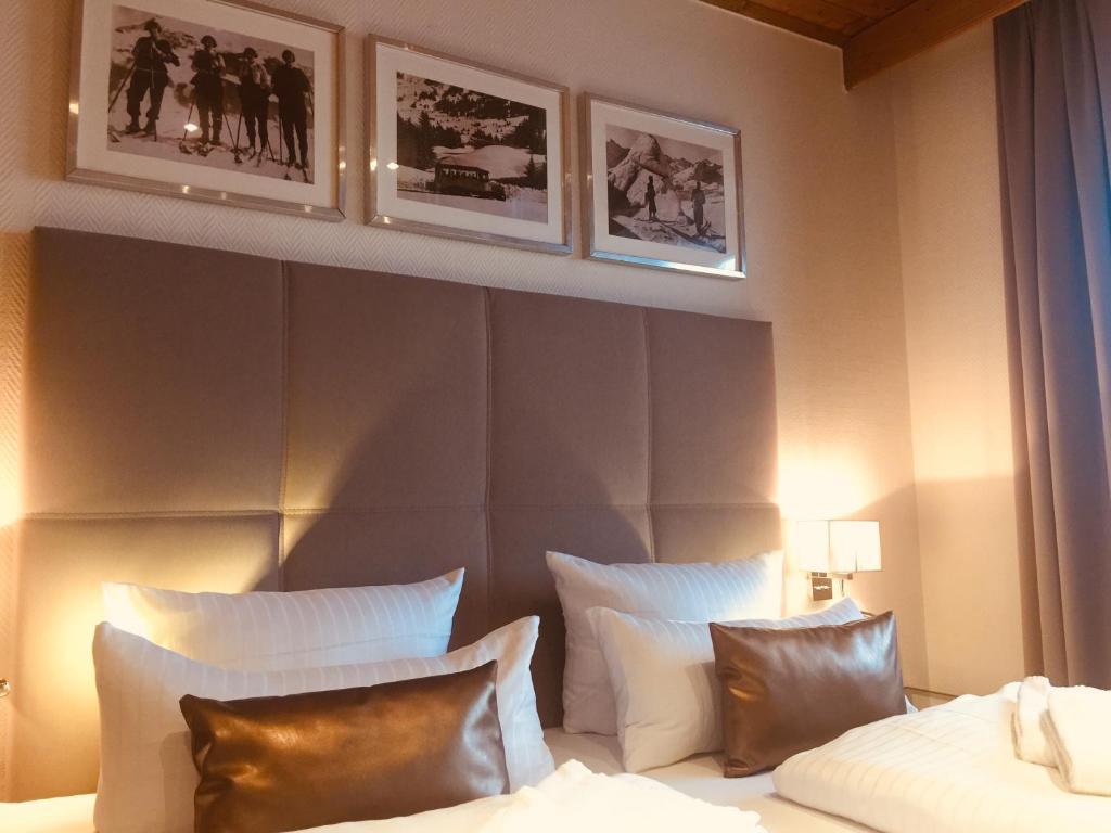 Ein Bett oder Betten in einem Zimmer der Unterkunft Hotel Strasser