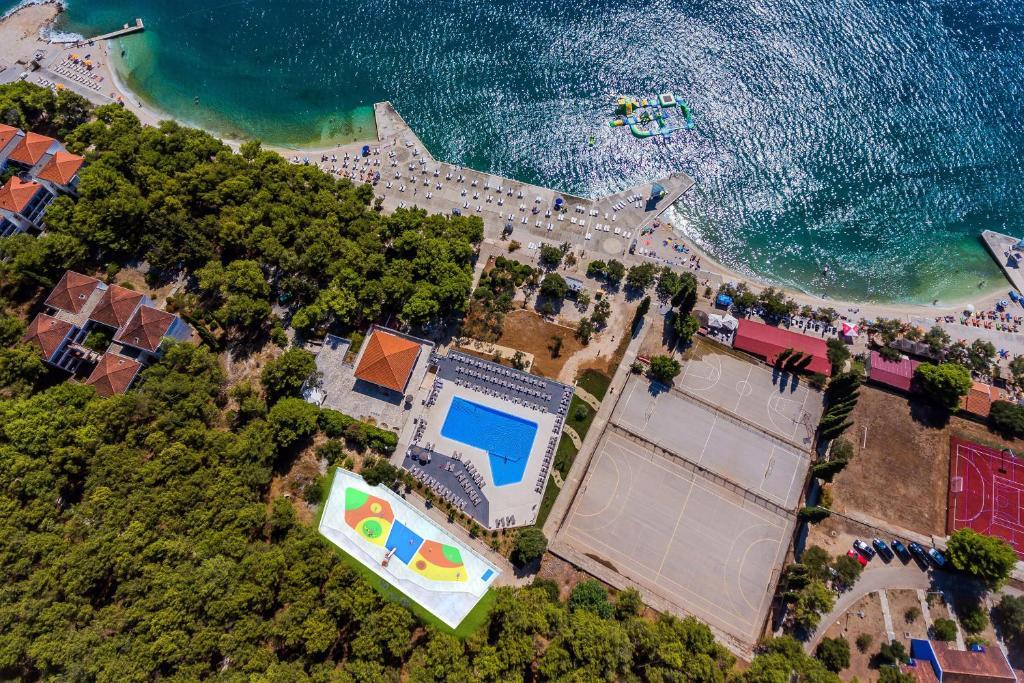 Een luchtfoto van Hotel Medena