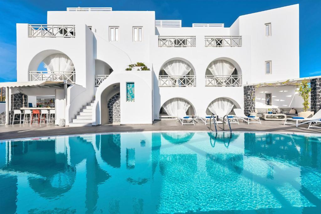 The swimming pool at or close to La Bellezza Eco Boutique Hotel