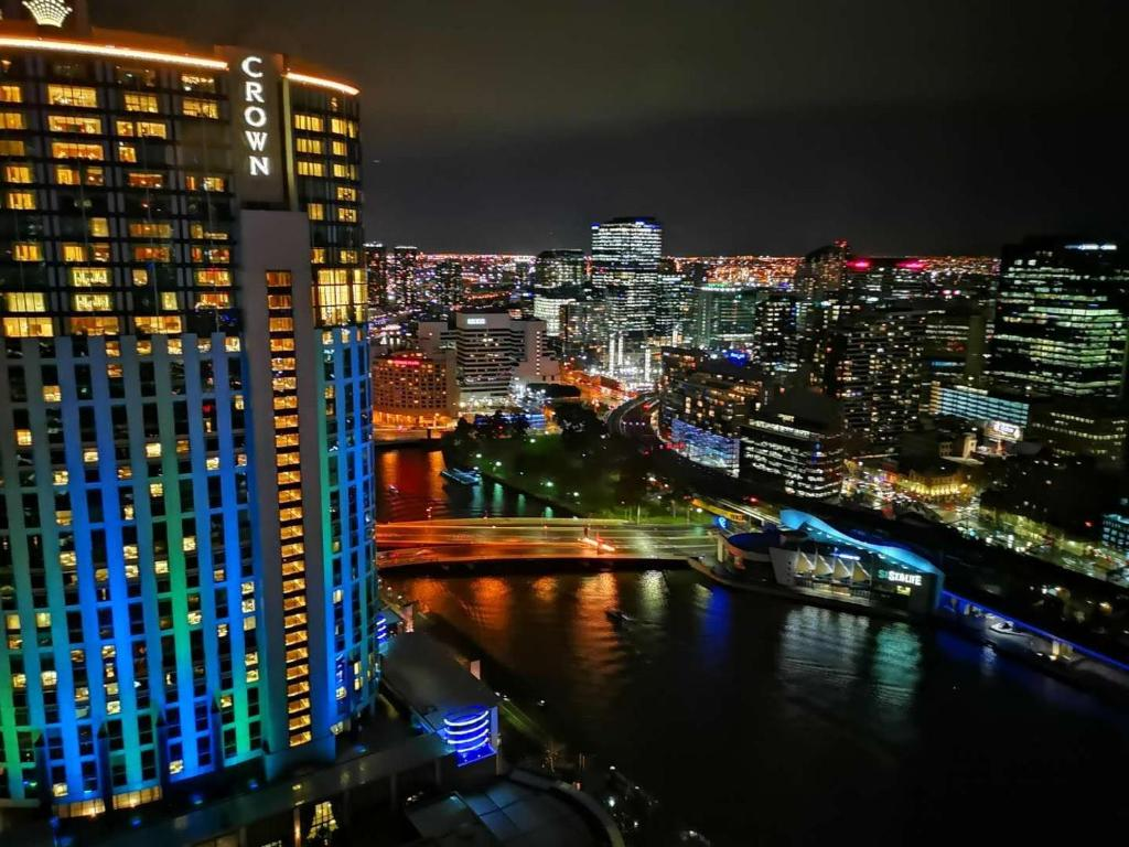 Southbank apartment with an exceptional view