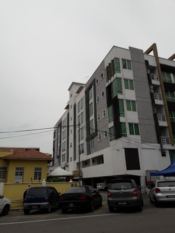 Guest House at Khalifa Suites (Syahril)