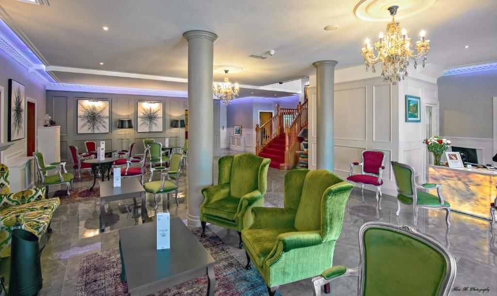 The lounge or bar area at Brook Lodge Boutique Hotel