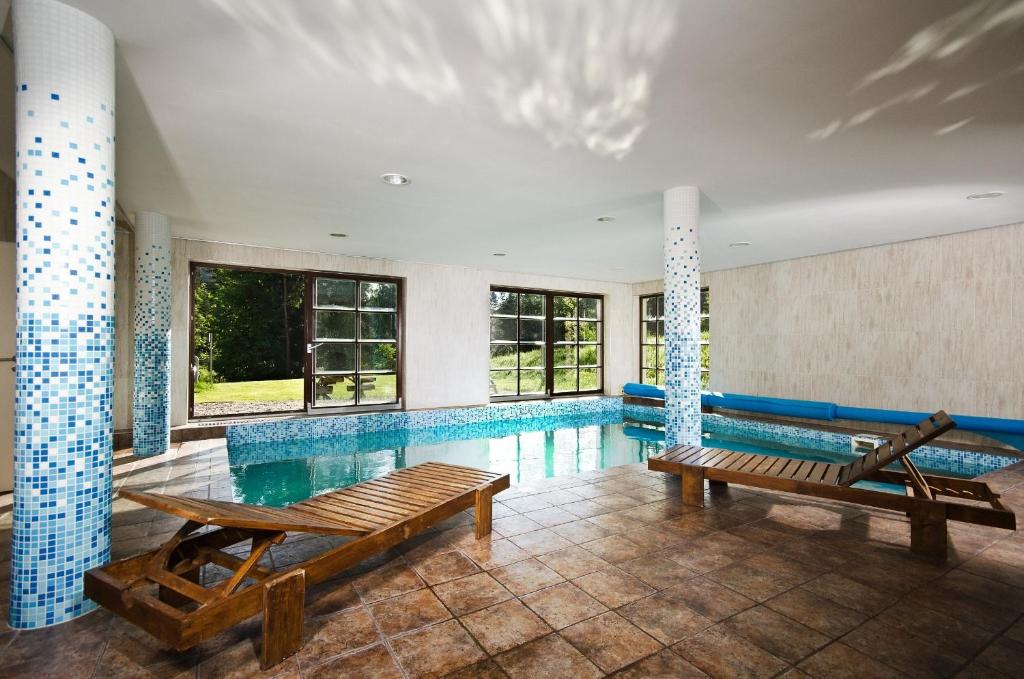 Der Swimmingpool an oder in der Nähe von Hotel Annín