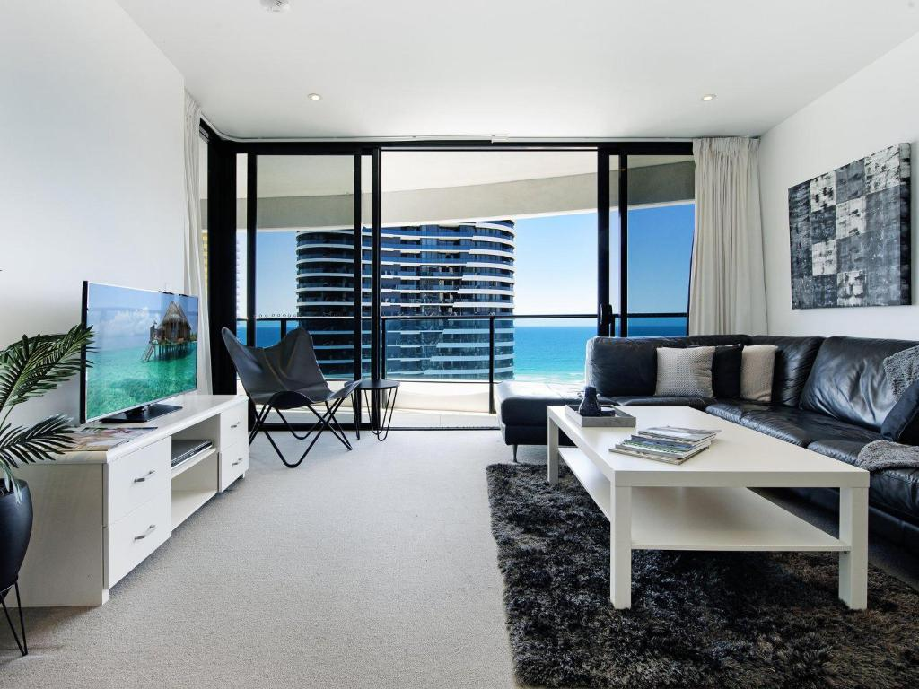 A seating area at Oracle Sleek & Stylish 2 Bedroom Ocean View