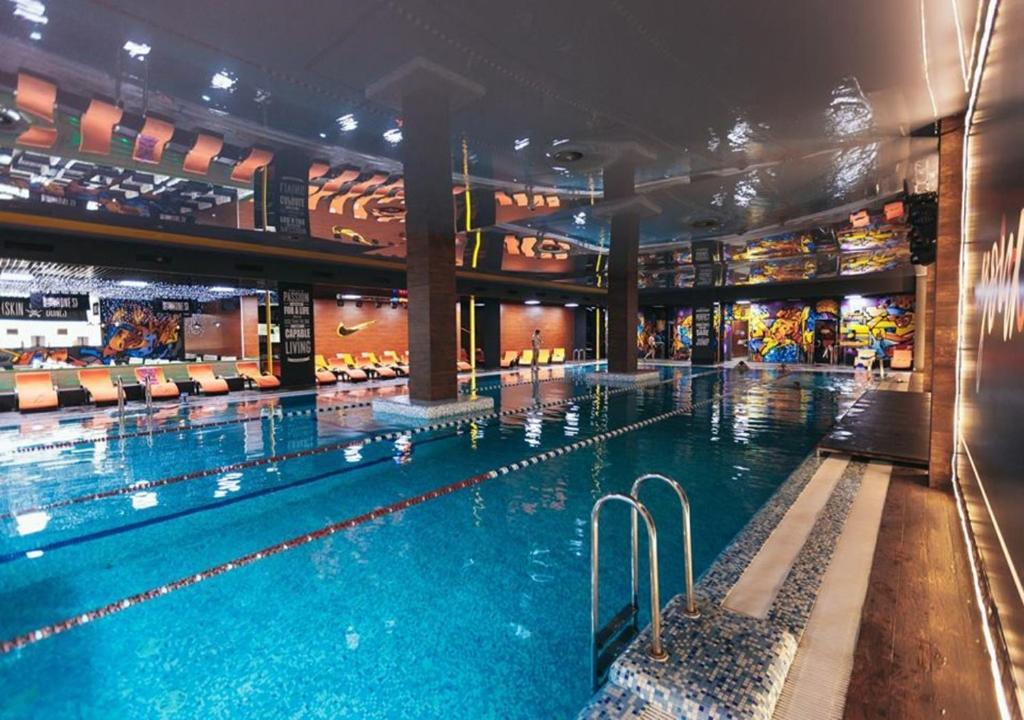 The swimming pool at or near Black Sea Hotel Park Shevchenko