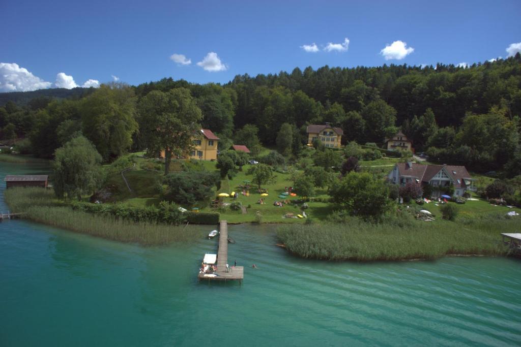 Blick auf Pension Seevilla Annelies aus der Vogelperspektive